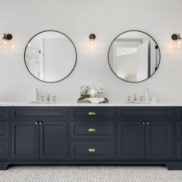 Large-Double-Vanity-in-Master-Bathroom-in-New-Luxury-Home